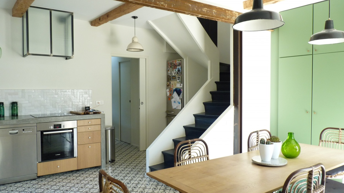 Transformation « deux maisons en une » : cuisine-provence-moderne-architecte-azzaro-min.JPG