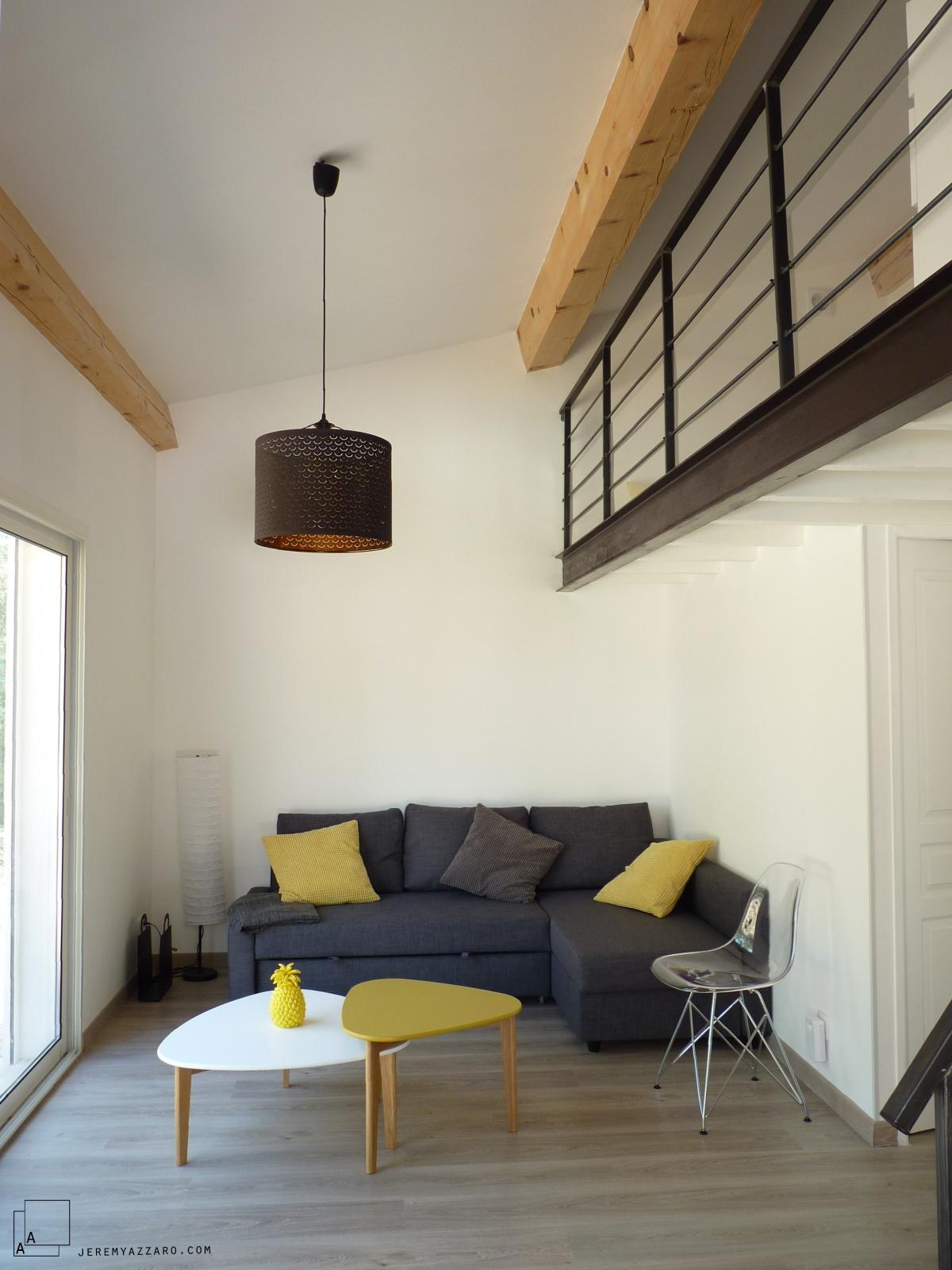 Création d'une dépendance estivale « pavillon des pins » : chambre-mezzanine-dependance-pavillon-acier-bois-azzaro-architecte-min