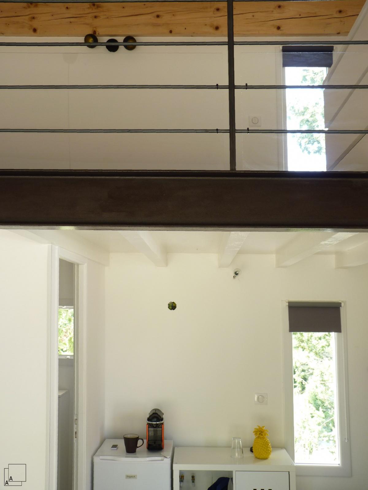 Création d'une dépendance estivale « pavillon des pins » : fenetre-bandeau-vertical-double-hauteur-azzaro-jeremy-architecte-min