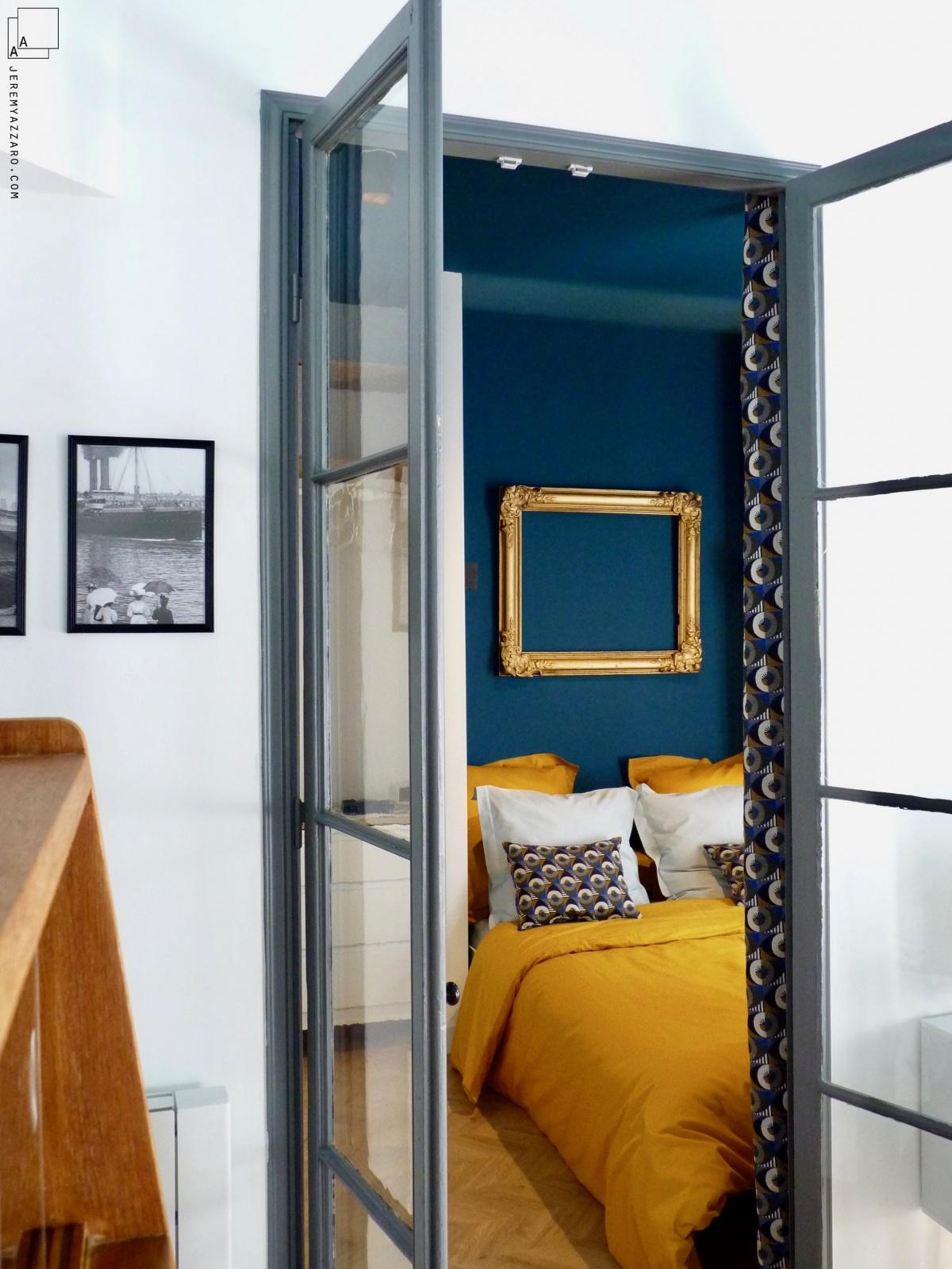 Création de deux appartements « angle deux vies » : suite-parent-sejour-marseille-classique-jeremy-azzaro-architecte-min