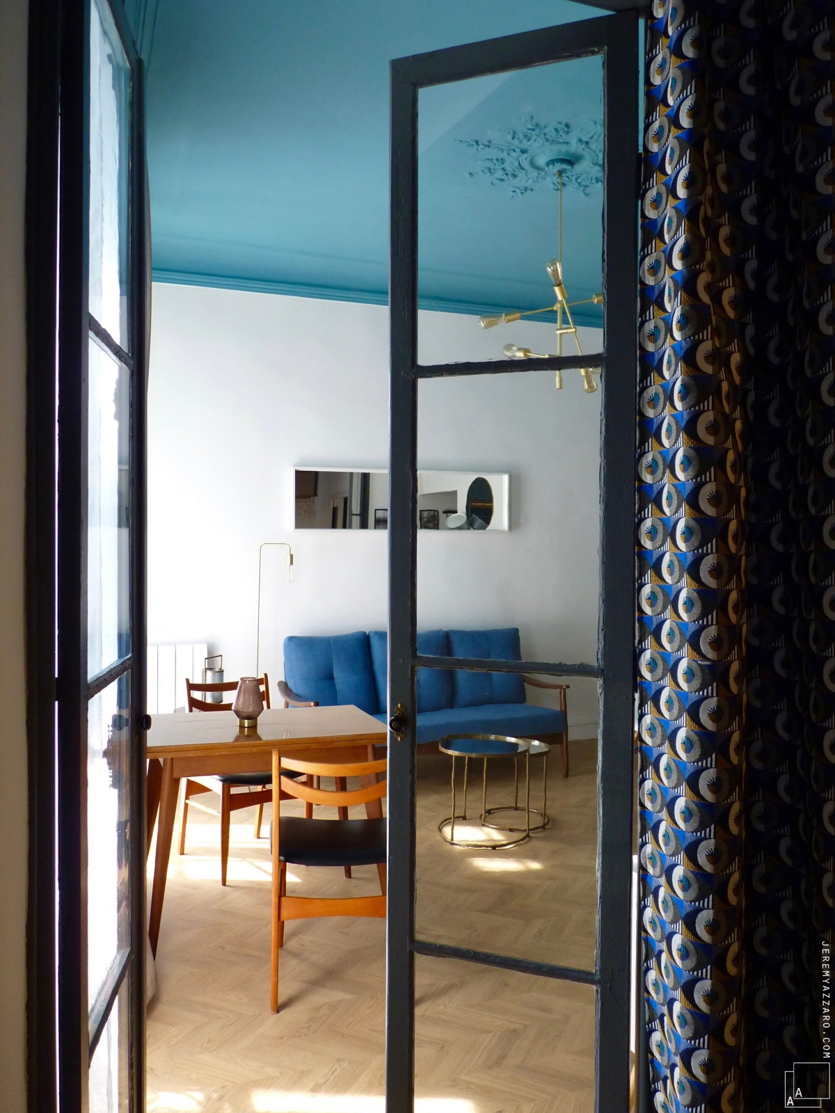 Création de deux appartements « angle deux vies » : fenetre-marseillaise-moulure-transformation-appartement-architecure-azzaro-min