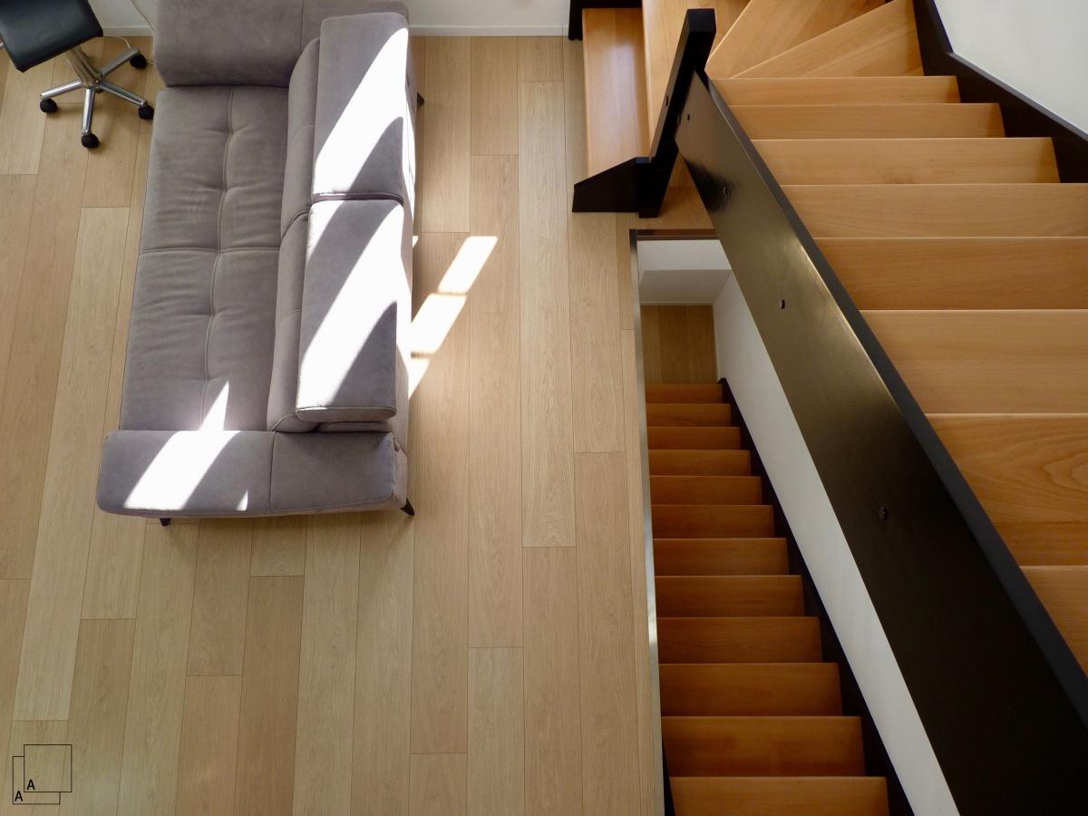 Création d'un triplex en maison de ville « de bas en haut » : jeremy-azzaro-architecte-triplex-escalier-combles-min